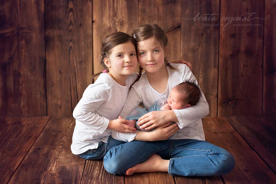 sesja fotograficzna rodzenstwa, sesja noworodkowa Krakow, sesja rodzinna