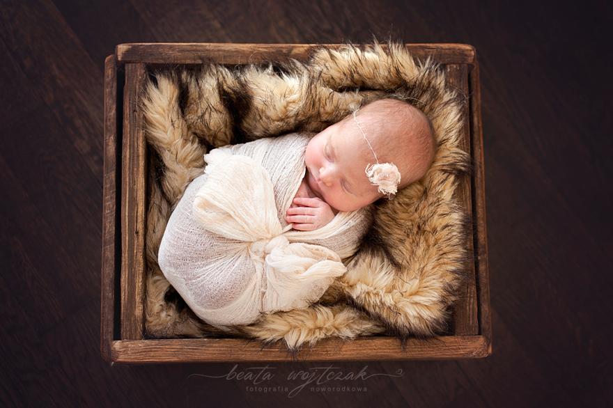 sesja noworodkowa Krakow, fotografia noworodkowa, fotograf dzieciecy Krakow